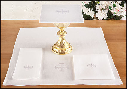 altar linen set with jerusalem cross