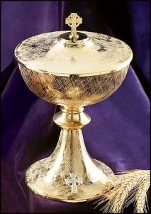 Celtic Cross Ciborium with Cover